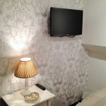 wall-mounted-flat-screen-tv